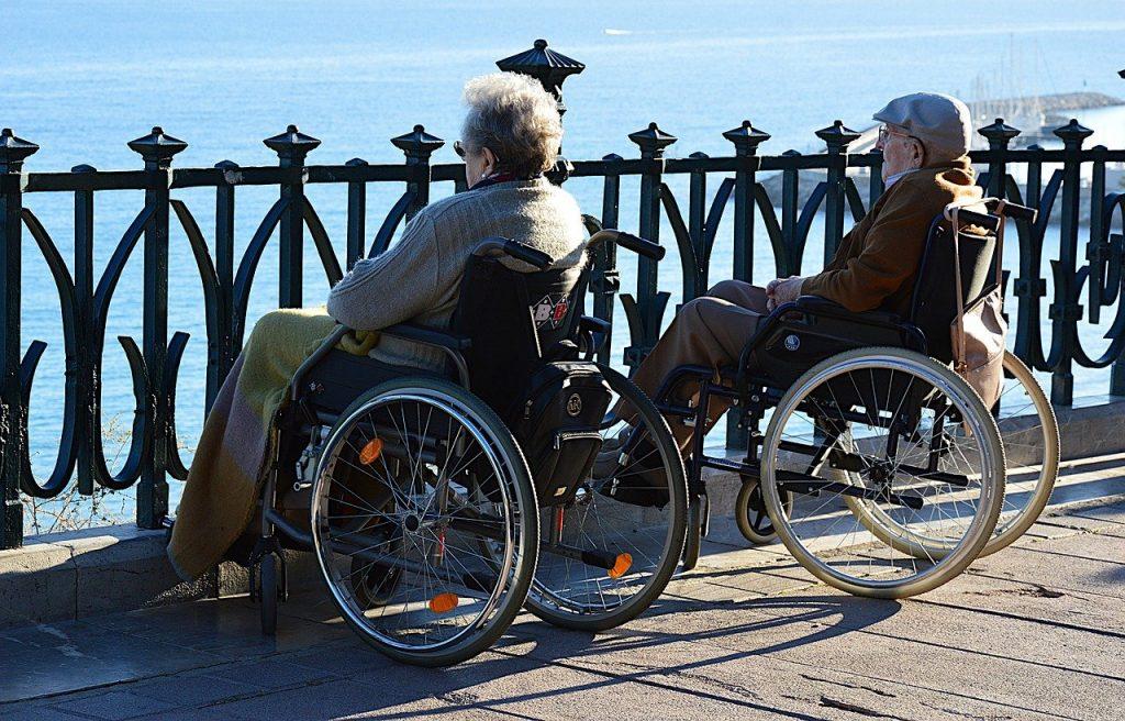 para seniorów na wózku inwalidzkim
