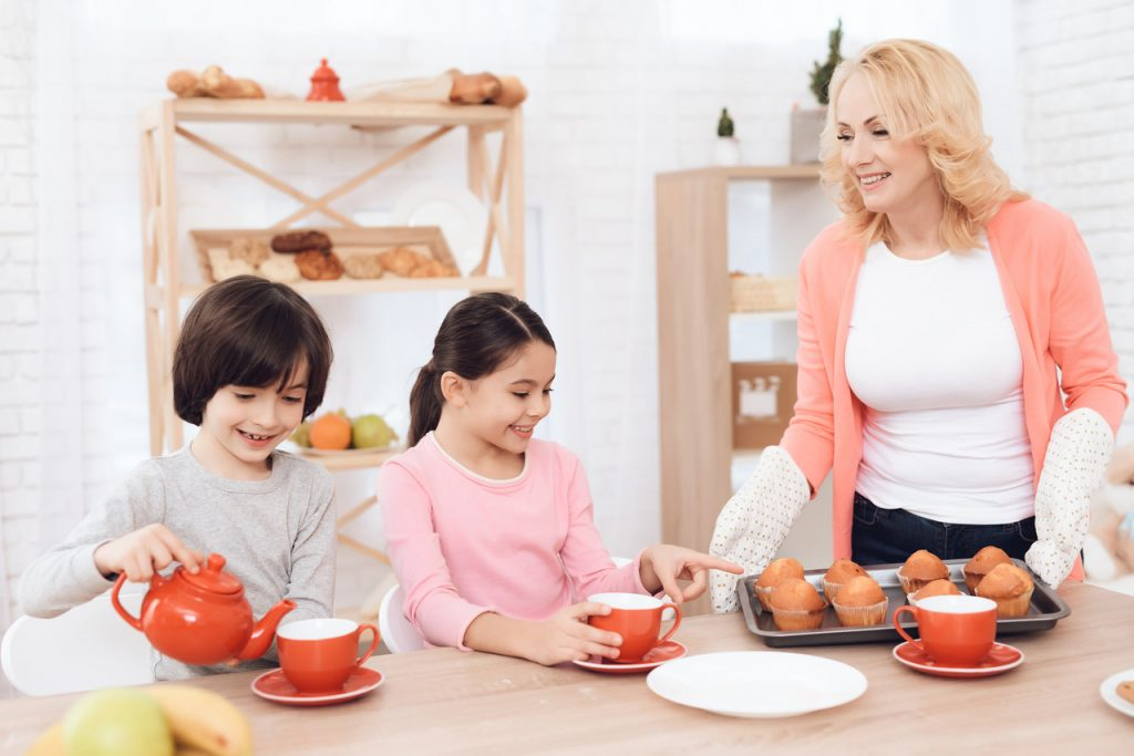 wspólne gotowanie w wnukami