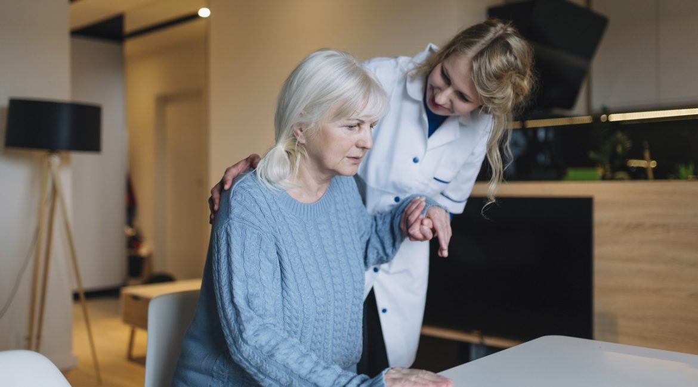 pomoc domowa seniorowi