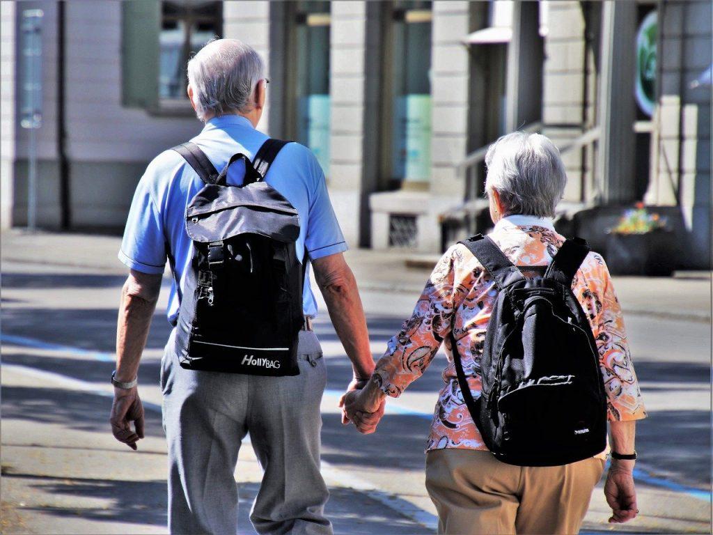 seniorzy na wycieczce