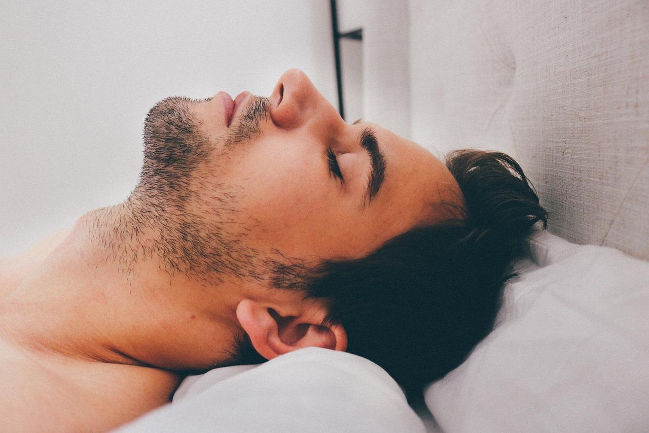 Wszystko, co należy wiedzieć o bezdechu sennym